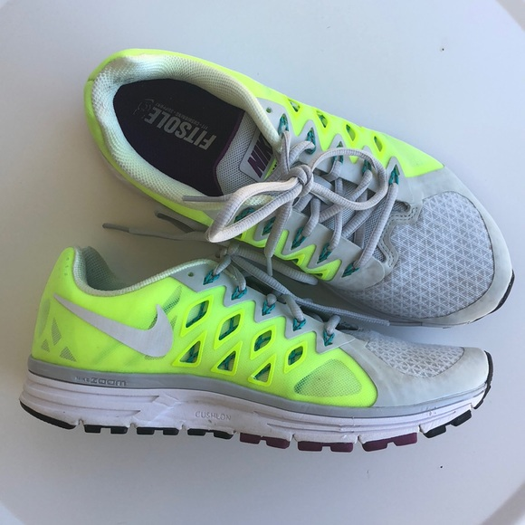 super popular 59646 faee2 Nike Vomero 9 Running Shoes. M 5bd4b6f512cd4a2291ce0c63